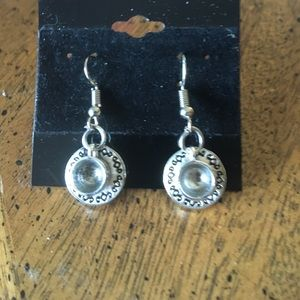 Jewelry - Cup and saucer earrings